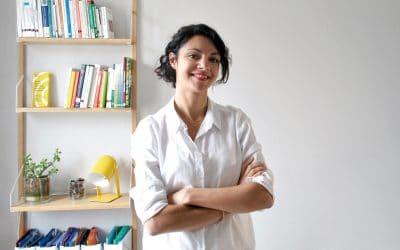 Faites connaissance avec Elena Chesneau, psychologue du travail, spécialisée dans l'accompagnement à la transition professionnelle